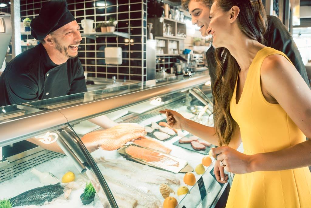 seafood_handling_preparing_food_safety